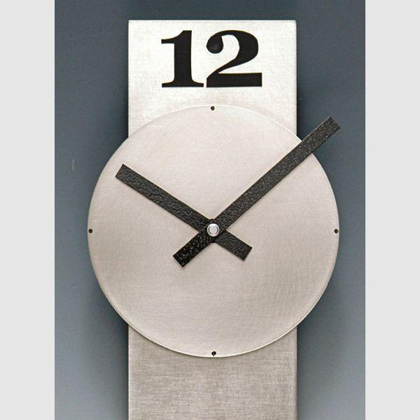 Clock 032