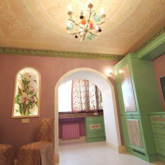 Роспись потолка и кухни