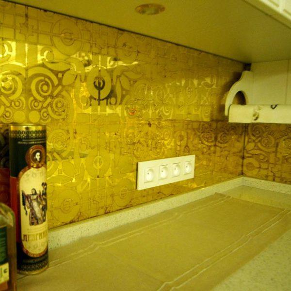 Эгломизе Золото с трафаретом