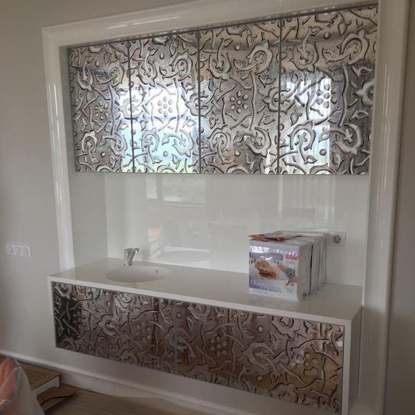 Мебель с дизайнерскими зеркалами